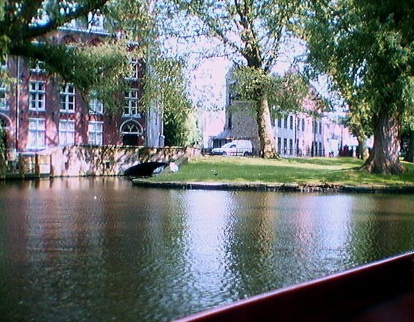 One of the famous canals of Brugge...click for more.